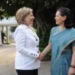 800px-Sonia_Gandhi_welcomes_U.S._Secretary_of_State_Hillary_Rodham