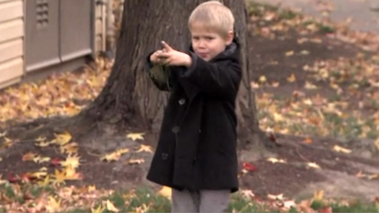 一人で遊んでいた4歳のトマフォークスくん